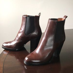 8391d41592d Frye Brown Leather Size 7M Cuban Heel Ankle Boots NWT